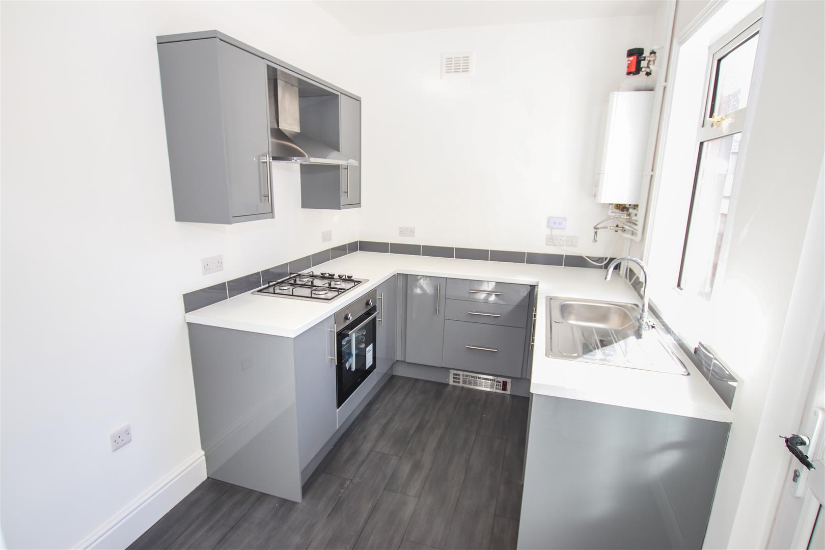 LUXURY NEW FITTED KITCHEN